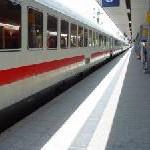 ICE-Züge in die Schweiz verkehren normal.