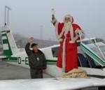 """Sonderflug aus Lappland: Weihnachtsmann und """"flügellahmer"""" Engel werden in Dresden erwartet"""