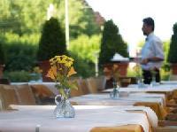 AHGZ: 40 Prozent der Hoteliers und Gastronomen rechnen mit Umsatzplus
