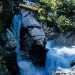 Über die Schweizer Alpenpässe: Die PostAuto-Höhepunkte im Sommer