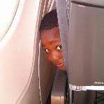Kinder im Flugzeug: Große Gefahr für kleine Passagiere