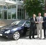 Mercedes-Benz stiftet ein C-Klasse-Sportcoupé an die Gottlieb-Daimler-Schule: Ein Premium-Sportcoupé für hochwertige Bildung