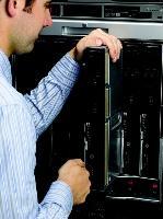 HP Integrity NonStop NB50000c vereint Hochverfügbarkeit mit den Vorteilen Blade-basierter Infrastrukturen