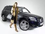 Neue Aufnahmeschale für vollständige Integration in die Fahrzeugarchitektur: Mercedes-Benz macht iPhone®-Anbindung im Auto noch komfortabler