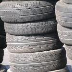 China-Reifen und Billigautos: AUTOStraßenverkehr zeigt, wann Sparsamkeit gefährlich werden kann