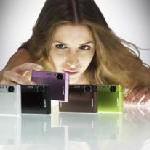 Design-Ikonen für Individualisten: Zwei neue Digitalkameras der Sony Cyber-shot T-Serie