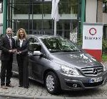 Mercedes-Benz übergibt erste Erdgas-Flotte