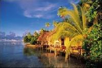 Paradiesische Aussichten: Auf  Tahiti und ihren Inseln stehen Unterkünfte bereits ab 50 Euro zur Verfügung