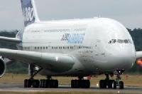 Singapore Airlines feiert einjähriges Jubiläum des A380-Liniendienstes