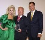 """Kurt Ritter erhält den """"Lifetime Achievement Award"""" bei den Worldwide Hospitality Awards in Paris"""