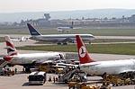 Flughafen Stuttgart: Feuerwehr trainiert Brandbekämpfung