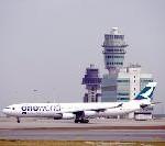 Cathay Pacific feiert 10 Jahre Oneworld–Allianz: Flugzeuge in neuer Lackierung