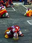 Ganz oben: Zum Klosterfest nach Bhutan