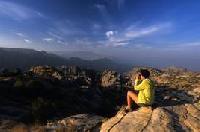 Kooperation zwischen Fremdenverkehrsamt Jordanien und Deuter: Die Abenteuer-Connection für Frauen