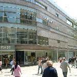 Einzelhandelsumsatz 2009 real um 1,8% gegenüber 2008 gesunken