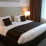 1980 bis 2010: Warwick International Hotels begeht seinen 30. Jahrestag hervorragender Gastlichkeit