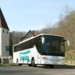 Alternative Bus: Aschewolke legt Flughäfen auch weiterhin lahm – Deutsche Touring setzt mehr Busse ein