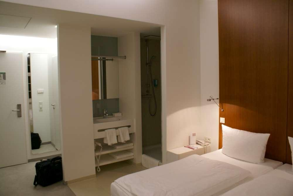 Hotelstatistik: Gastgewerbeumsatz im April 2010 real um 2,0% gesunken