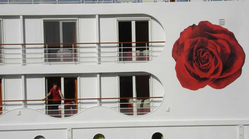 Erster Stahlblock für A-ROSA BRAVA: Schiffsneubau wird auf Kiel gelegt