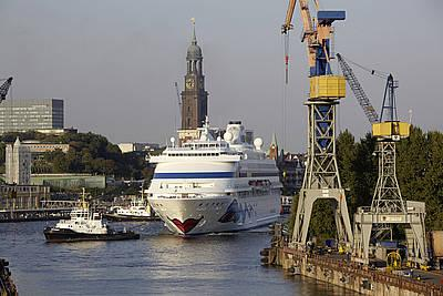 AIDAcara erhält frisches Design auf Hamburger Werft
