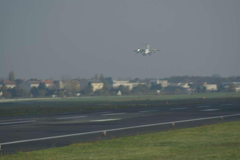 """Berliner Flughäfen: """"Ein Tag am Flughafen"""" für Kinder"""