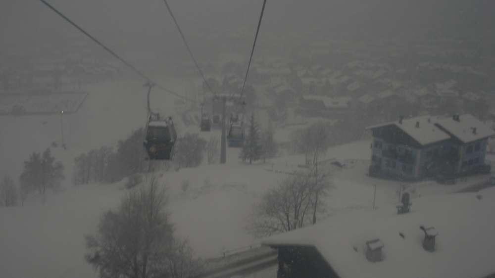 Winter-Action pur: Ballonwochen, Huskie-Rennen und Triathlon locken Urlauber nach Inzell