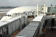 Zürich: Dritte Fluggastbrücke für Airbus A380