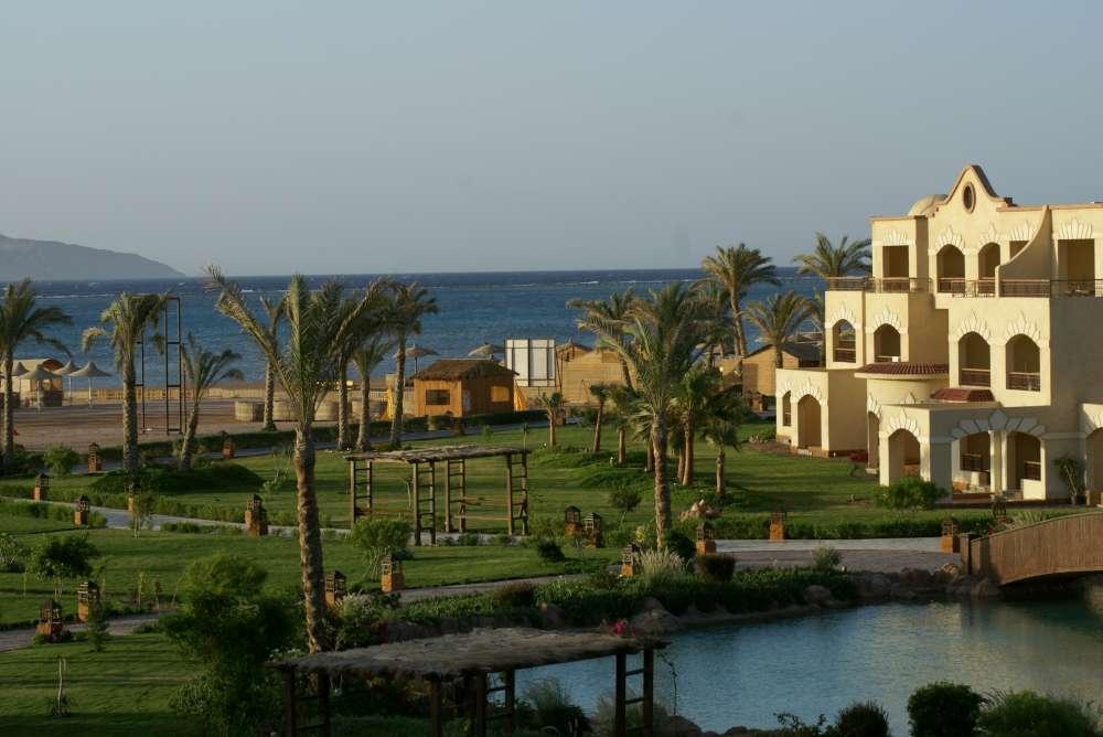 Ägypten: Landesweite Ausgangssperre. TUI bietet gebührenfreie Umbuchungen für alle Ägyptenreisen mit Anreise bis aktuell 3. Februar