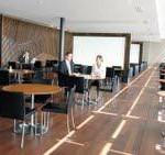 Schweizweite Premiere: Samsung stattet Swissport Lounge am Flughafen Zürich aus