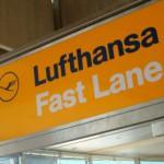 Lufthansa Konzern verbessert operatives Ergebnis im ersten Quartal auf minus 227 Millionen Euro