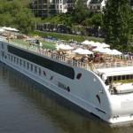 """Neu im A-ROSA Katalog """"Kreuzfahrten auf Flüssen 2012: der A-ROSA Kundenclub"""