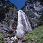Hören wie der Wasserfall rauscht