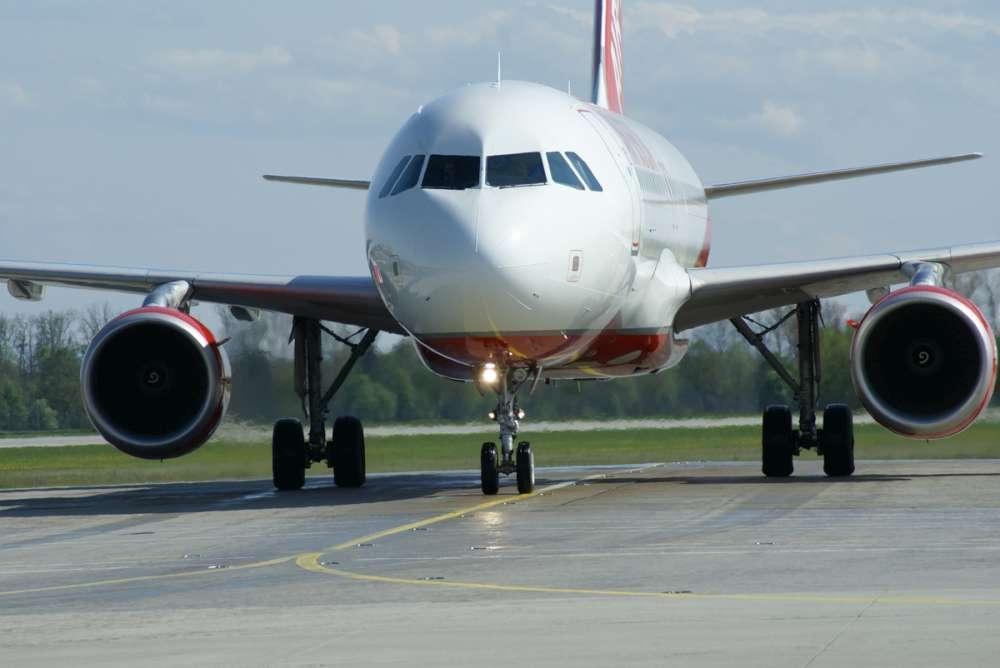 Air Berlin: Start frei für den Sommerflugplan 2012