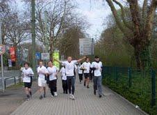 Hilton Dortmund nimmt's sportlich: Mitarbeiter trainieren für den RWE-Marathon am 9. Oktober 2011 in Essen