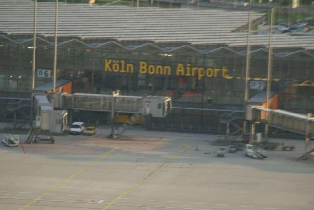 Flughafen Köln/Bonn: Erstflüge nach Reykjavik