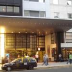 Auszeichnung für höchste Kundenzufriedenheit: ibis ist Service-Champion 2012