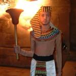 Besuch beim Pharao in der Morgensonne