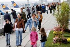 Jazz, Apfel & Eis: Die Sommeraktionen auf der Besucherterrasse des Flughafen Frankfurt