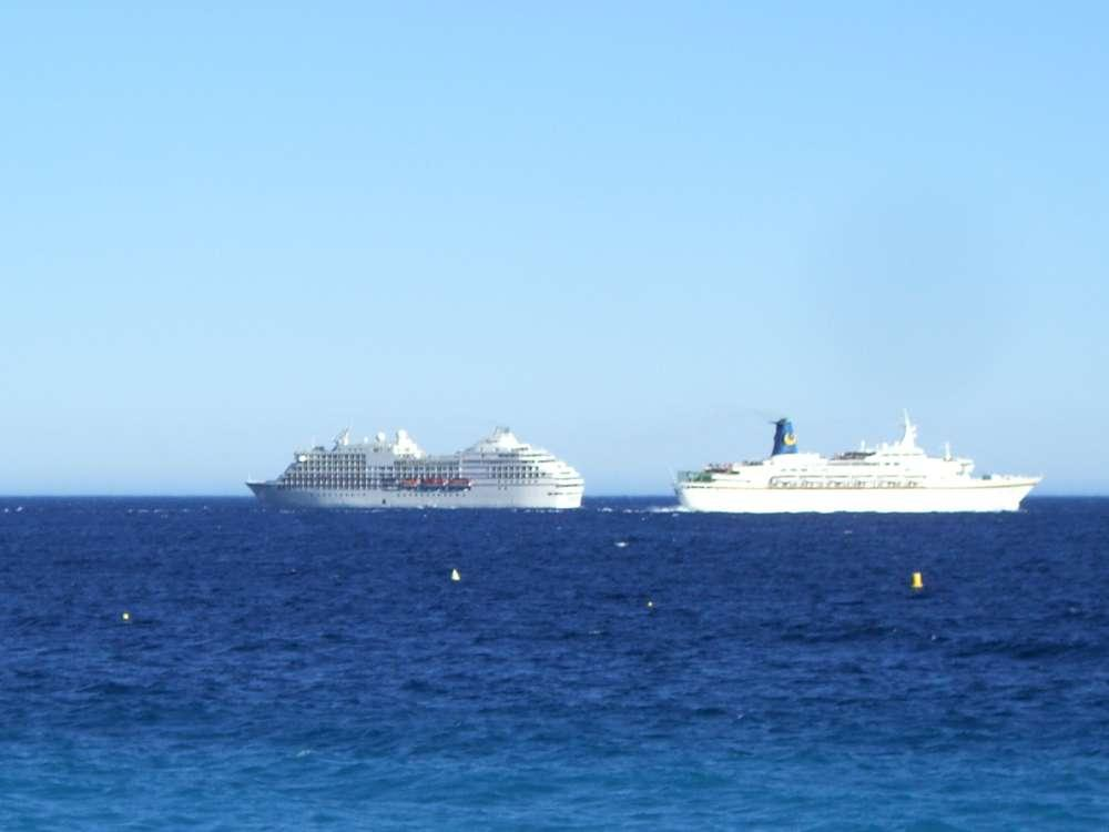 Bestnote 5-Sterne-Plus: Berlitz Cruise Guide 2015 zeichnet MS EUROPA und MS EUROPA 2 aus