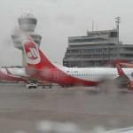 Jahresauftakt der Berliner Flughäfen:Air Berlin-Delle schwächt sich ab