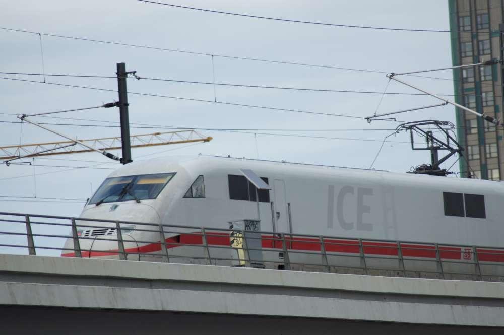 """Bahnlobby: """"Sicherheitsschleusen passen nicht zum Bahnsystem"""""""