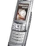 Eleganz in Silber: Samsungs SGH-D840 versprüht mit metallener Oberfläche luxuriösen Charme