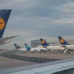Reibungslos in den Osterurlaub starten: Bis zu zwei Millionen Lufthansa-Fluggäste in Frankfurt erwartet