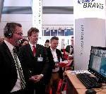 Samsung präsentiert mit dem SyncMaster 225UW den idealen Monitor für Videokonferenzen