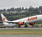 Boeing Delivers First 737-900ER in Lion Air Livery