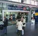 Jetzt Jahres-Abo für Bus und Bahn bei der DB bestellen