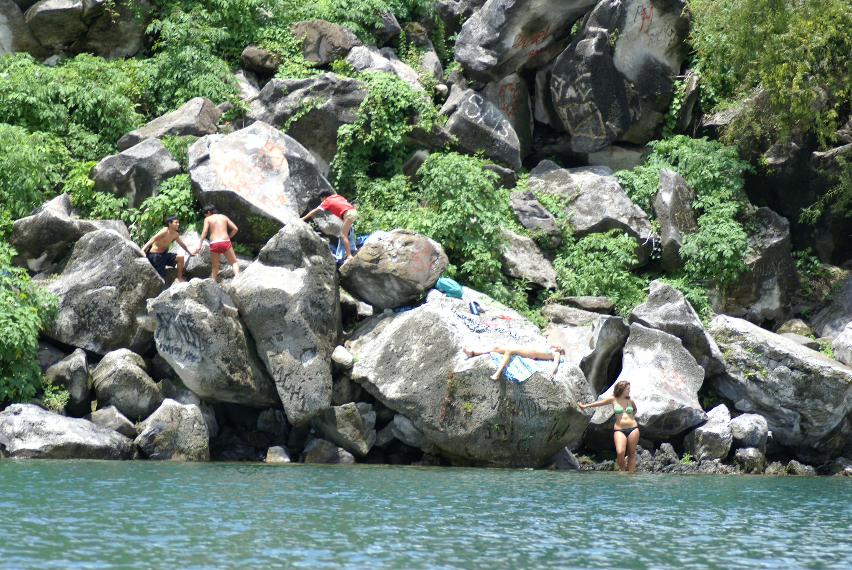 Urlaubszeit ist Badezeit: Im Sommer treibt es viele Deutsche an Badegewässer. Nicht jedoch ganz ohne Risiko.
