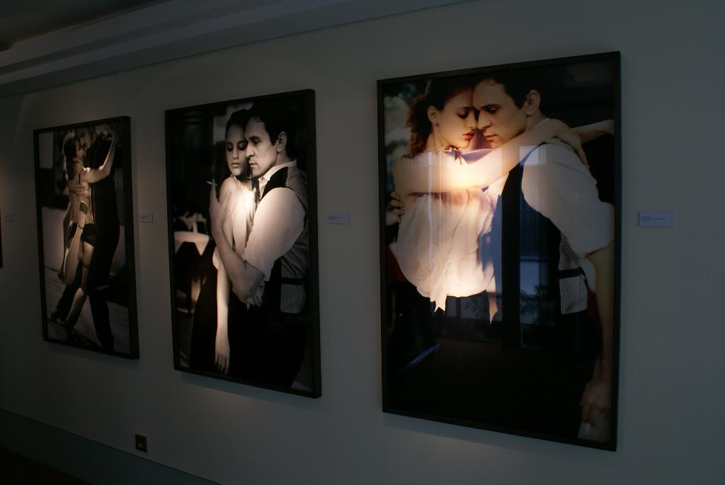 """Düsseldorf, Intercontinental Hotel - Esther Haase Fotoausstellung """"Vertical Gallery"""" (08708) Foto: ©Carstino Delmonte (2009)"""