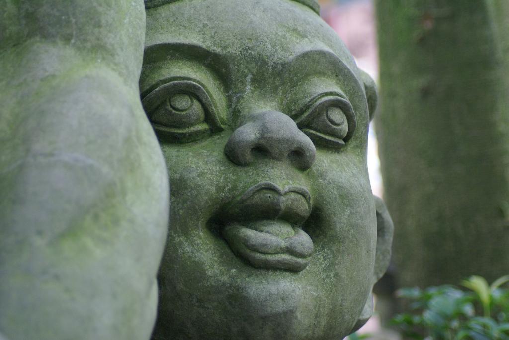 China - Geister in der Geisterstadt am Ming-Berg