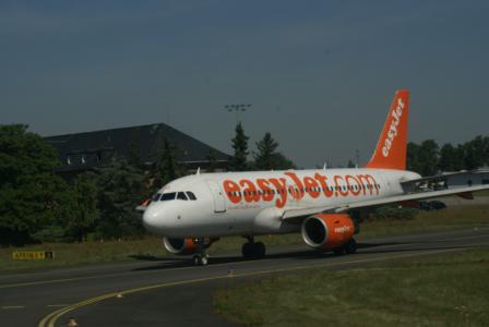 Airlines - Easy Jet, britische No Frills Airline in Europa (3461), Foto: ©Carstino Delmonte (2009)